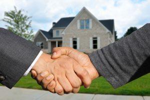Quais características que o cliente espera de um corretor imobiliário